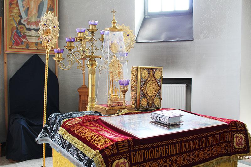 Богослужения Великой Пятницы 2018