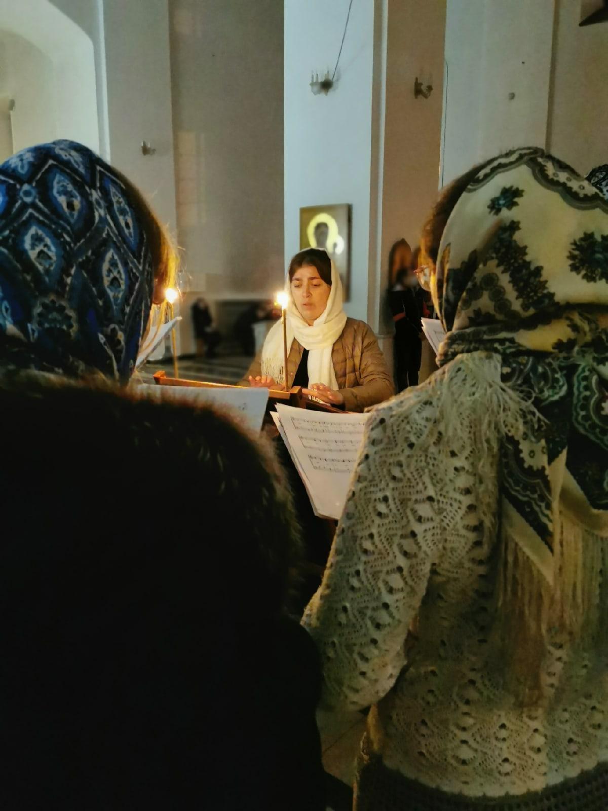 Ночная Божественная Литургия для Молодежи