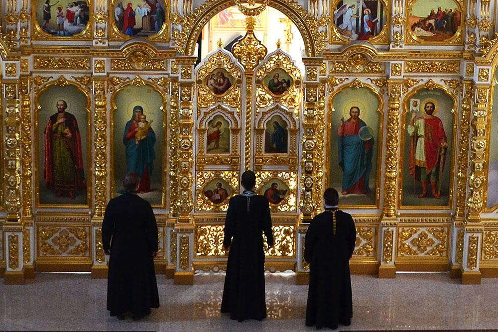 Настоятель отслужил литургию Преждеосвященных Даров